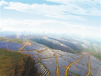 该集团在叶县保安镇马头山建设了100兆瓦光伏发电项目,现在已经有40